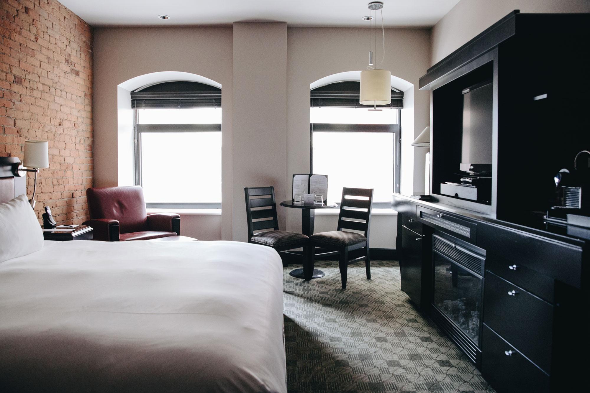 Chambre Supérieure avec très grand lit